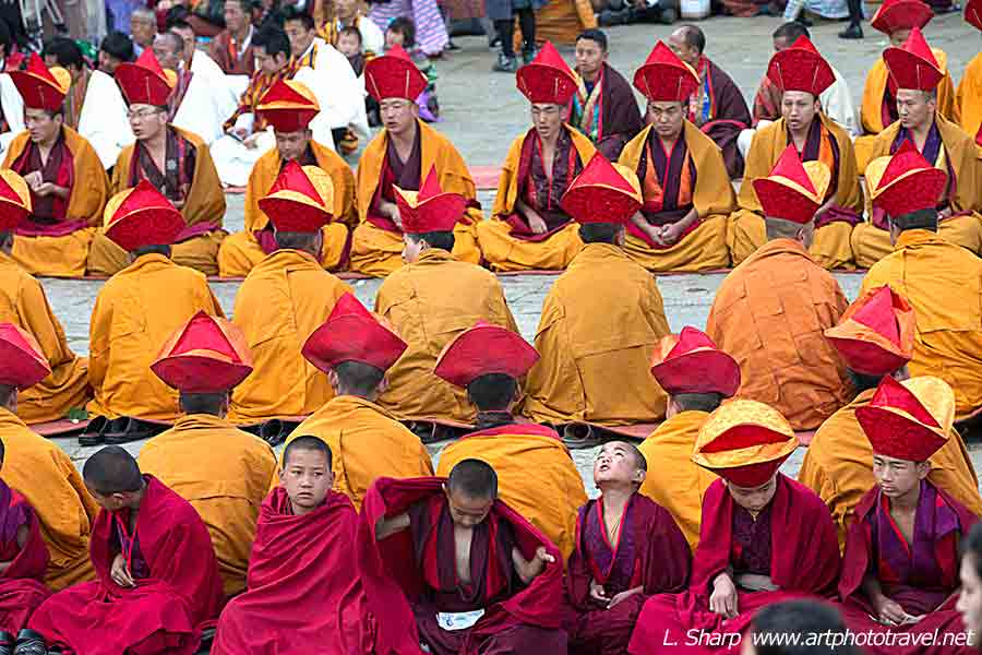 Bhutan-Paro-Tsechu-day-5-monks