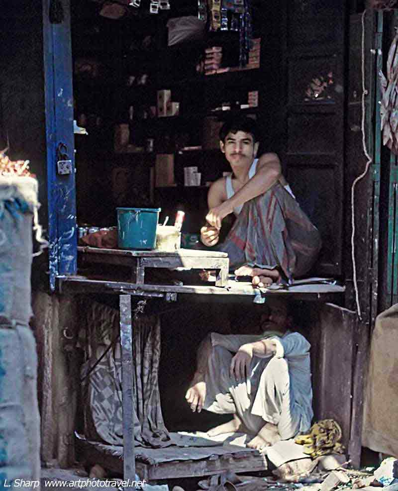 Kolkata backstreets vendor