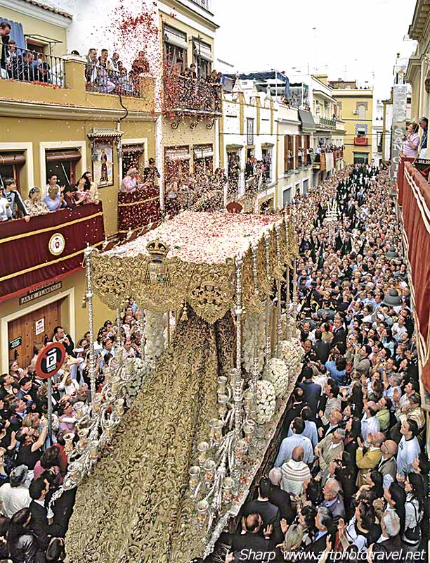 virgin-mary-float-macarena-semana-santa-seville-1
