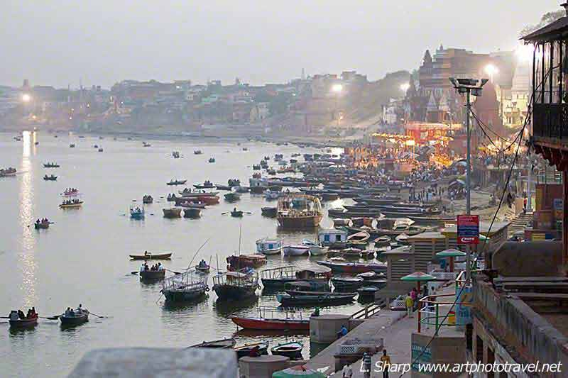 Panorama-ganges-Ghats-from-Nepelese-Temple-varanasi
