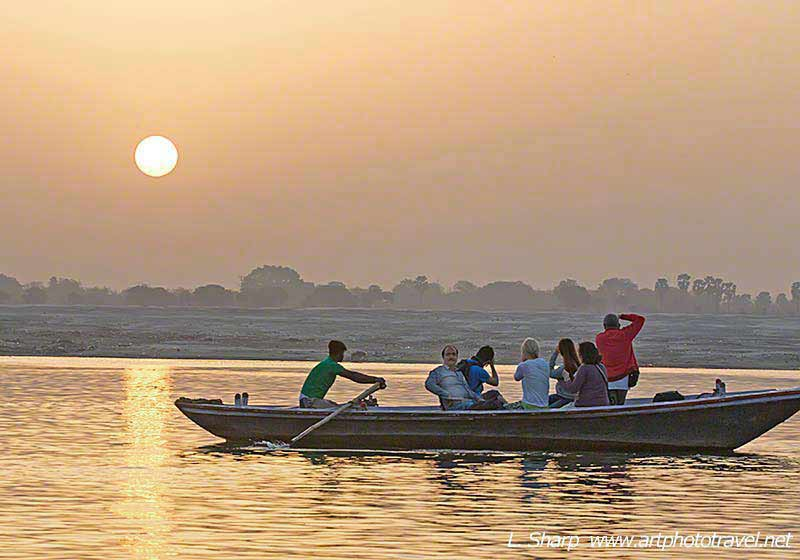 Ganges-boat-ride-sunrise-varanasi