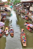 floating markets at Damneon Sanduak